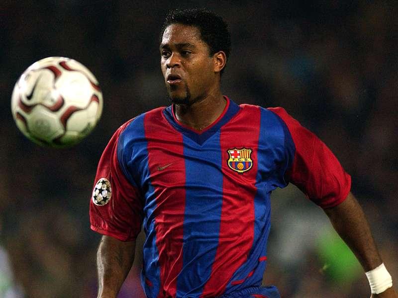 Barca-Legende Kluivert: Mit dem Außenrist aus 35 Metern