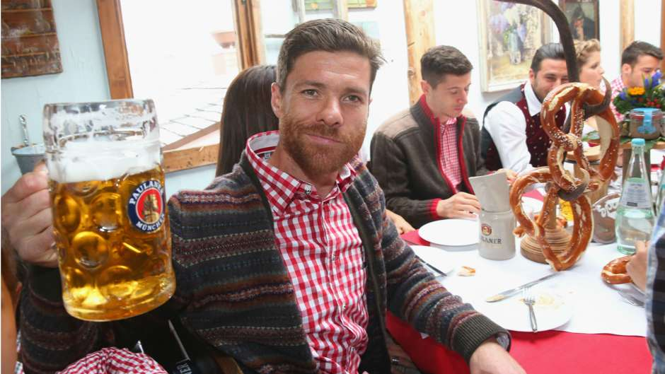xabi alonso fc bayern munchen oktoberfest. Black Bedroom Furniture Sets. Home Design Ideas