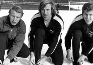 Die Fohlen-Elf der 1970er Jahre steht für Borussia Mönchengladbach wie die Golden Gate Bridge für San Francisco. Vogts, Netzer, Heynckes (v.l.n.r) und Co. begeisterten - und wurden zu Gladbacher Legenden. Goal hat die 20 besten Borussen der Vereinsgesc...