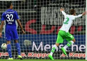 Bas Dost durchbrach schließlich die Lethargie. Der Niederländer traf aus kurzer Distanz zur Wolfsburger Führung.