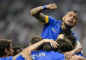 Arturo Vidal von Juventus Turin wechselt zu Bayern München. 37 Millionen Euro überweist der deutsche Rekordmeister für den Chilenen an die Bianconeri. Ist er nun der teuerste Neuzugang der Bayern-Geschichte? Hier kommt die Antwort auf diese Frage - mit...