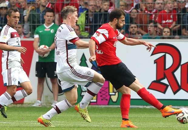 Admir Mehmedi erzielt das 1:1 für den SC Freiburg gegen den FC Bayern