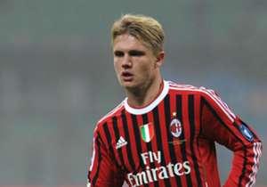Alexander Merkel galt einst als große Hoffnung beim AC Mailand, in Deutschland als kommender Nationalspieler. Nun wechselt er in die Serie B zum AC Pisa. Goal zeigt zwölf hoch veranlagte deutsche Spieler, denen die Luft ausging.