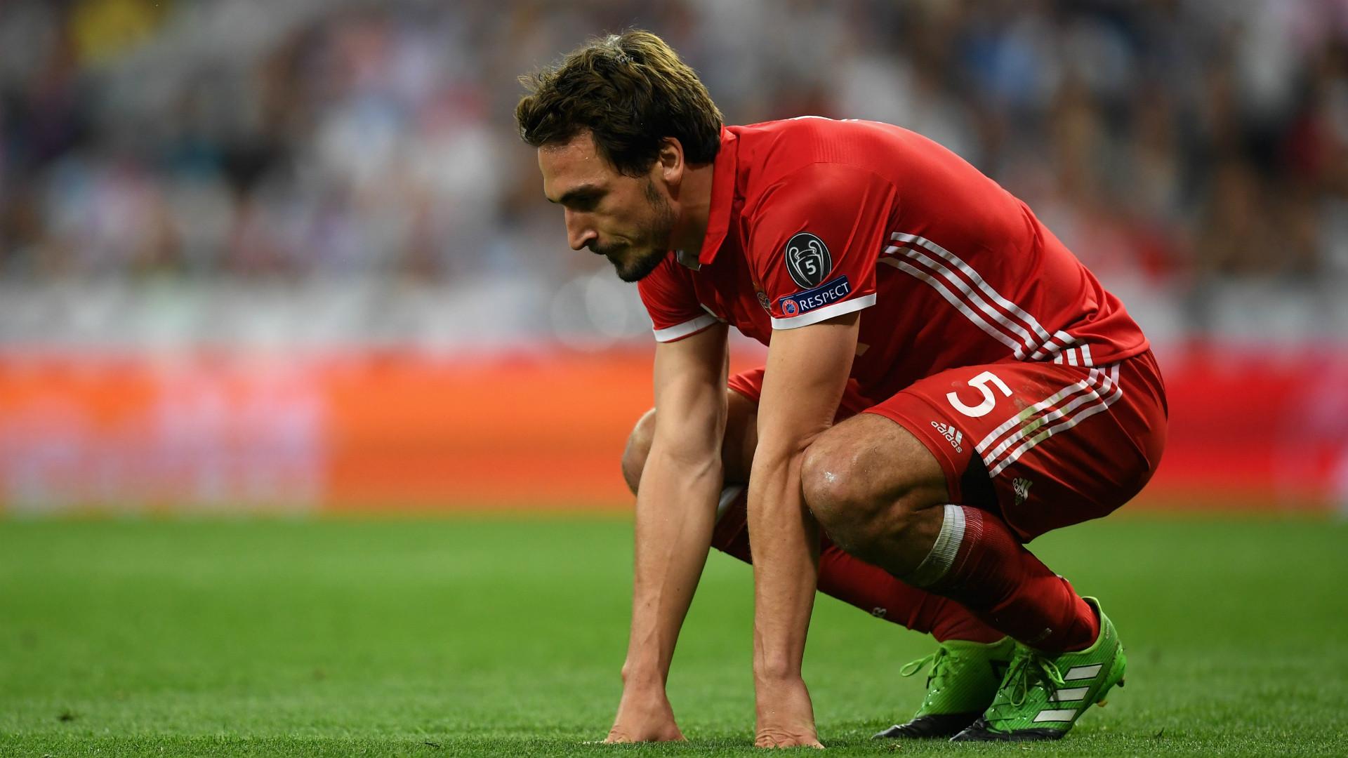Fußball: Zeitungen: Bayern-Profis stürmten Schiri-Kabine