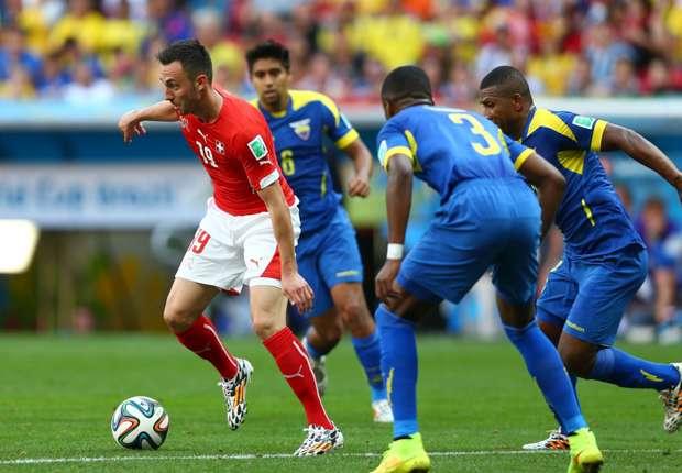Neu-Leverkusener Drmic wurde gegen Ecuador ein Treffer aberkannt