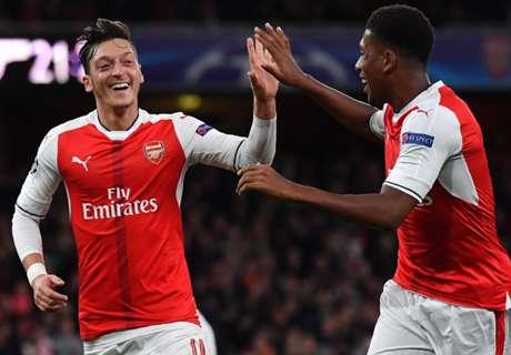 Özil und Messi mit Hattricks zum Sieg