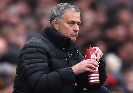Mourinho übt Kritik an van Gaal