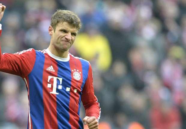 Münchens Müller feiert einen Treffer gegen Hamburg