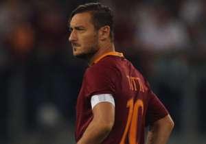 Al 23 jaar speelt Francesco Totti in het shirt van AS Roma, en Goal stelt een team samen van elf topspelers die sinds zijn debuut op 28 maart 1993 zijn geboren.