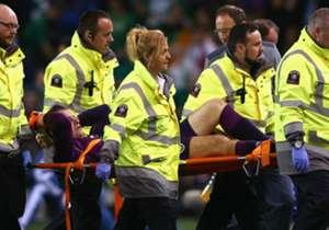 Götze war nicht der einzige, der verletzungsbedingt früh raus musste: Auch Irlands Keeper Shay Given erwischte es noch vor der Pause.