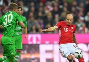 Nach zwei Liganiederlagen gegen die Fohlen nehmen die Bayern die Aufgabe ernst und siegen souverän. Die Star-Truppen aus Dortmund und Wolfsburg taten sich dagegen bei den Außenseitern nicht nur schwer, sondern konnten auswärts nicht gewinnen. Hier komm...