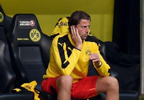 Kiper Dortmund Bertahan Satu Musim Lagi