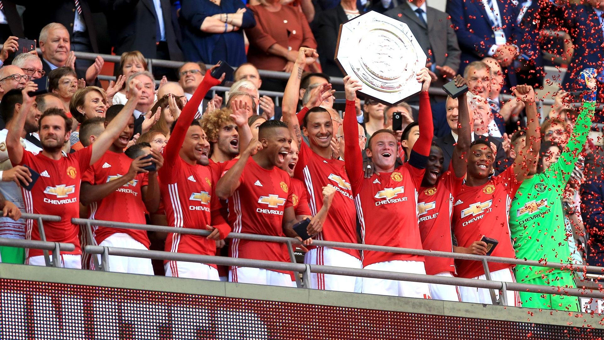 Empat Besar: 1. Manchester United, 2. Chelsea, 3. Manchester City, 4 ...