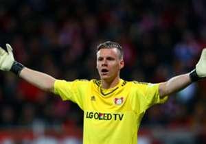 Bernd Leno kann es kaum glauben und scheidet mit Bayer Leverkusen aus dem DFP-Pokal aus