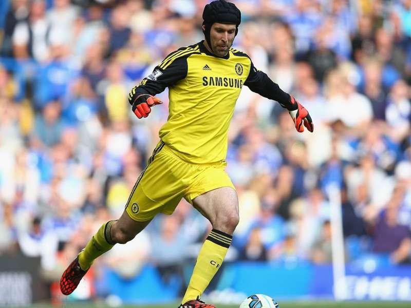 """""""O futuro de Cech está fora das minhas mãos"""", diz Mourinho"""