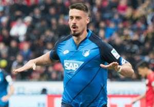 Sandro Wagner bejubelt sein Tor in Leverkusen