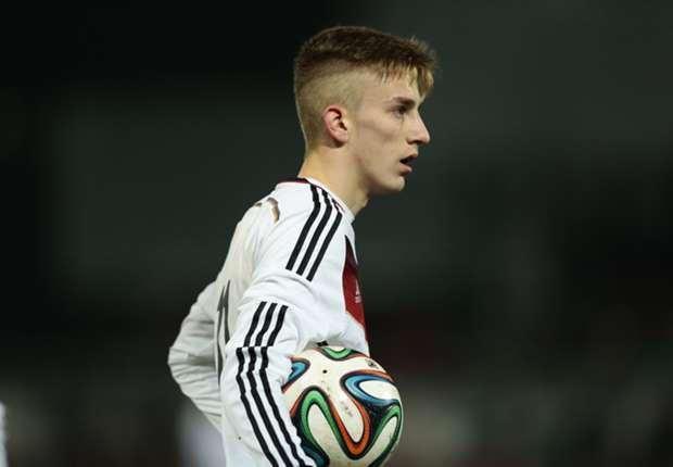 Bayern warn Monchengladbach to lower Kurt asking price or lose him for free