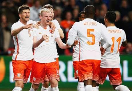 Früher Doppelschlag sichert Oranje-Sieg