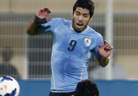 Suárez marca duas vezes pelo Uruguai