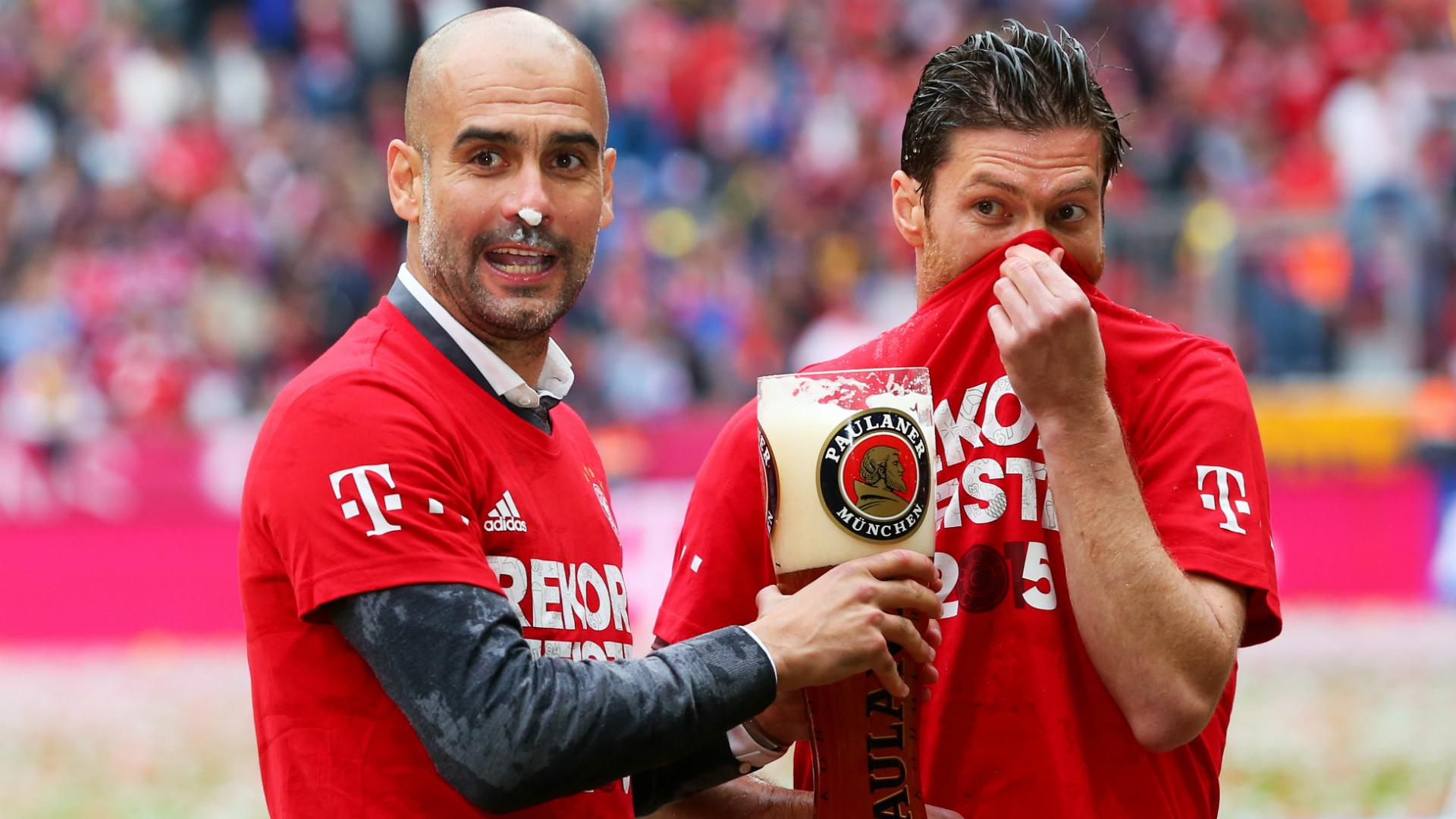 Pep Guardiola Xabi Alonso FC Bayern Bundesliga 23052015