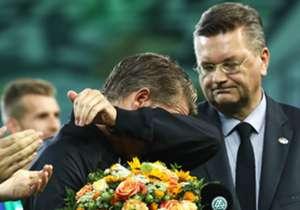 Confira as melhores imagens da despedida de Schweinsteiger, lendário meia, da Seleção Alemã!