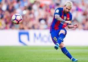 2) Barcelona 6-2 Betis | La Liga | 20/08/2016 | El debut liguero fue goleada Culé en el Camp Nou y doblete del 10. El primero, marca registrada de derecha al centro y zurdazo abajo.