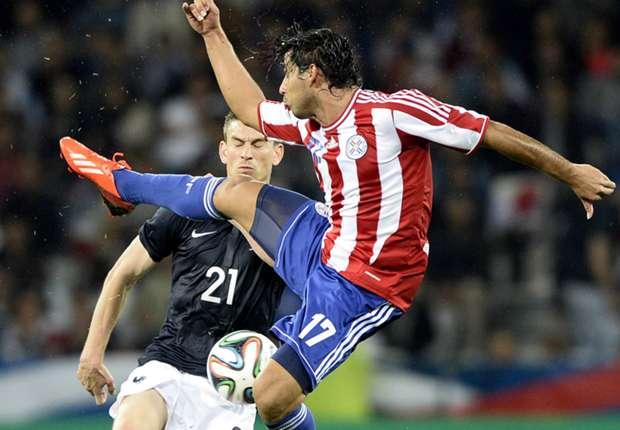 Doch nicht zu Gladbach: Jorge Benitez im Einsatz für Paraguay