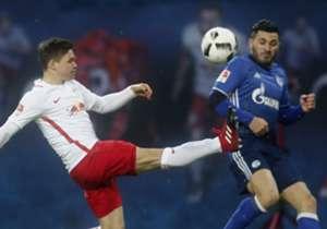 Der Neuling setzt sich auch gegen die formstarken Schalker durch, der BVB dreht nach einem Rückstand enorm auf und die Bayern jubeln in Mainz. Die Bilder zum Spieltag.