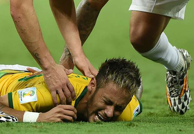 Brazil threaten doctors over Neymar