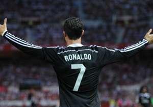 Cristiano Ronaldo I IRON MAN I ¿Hay algo que no tengan en común Tony Stark y el portugués? Egocéntricos, playboys, millonarios, guapos y son los líderes (i)legítimos de sus respectivos equipos. Como dos gotas de agua.