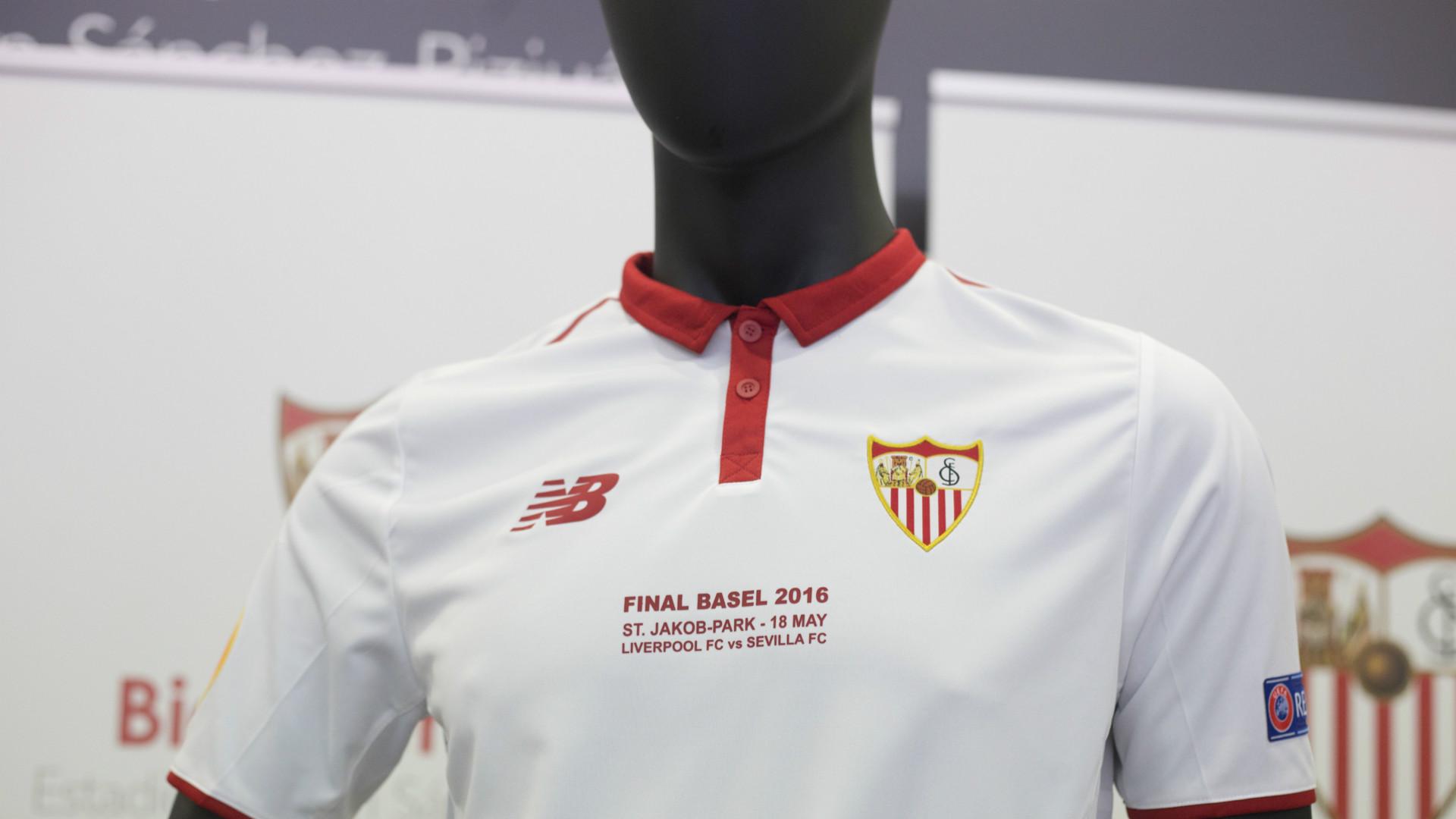Nueva camiseta del sevilla para la final de la europa - Socios del sevilla 2017 ...