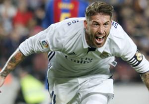 """Er hat es schon wieder getan! Sergio Ramos und die wichtigen Tore, das passt einfach. Goal präsentiert eine Auswahl. <ad> <p style=""""text-align: center;""""><a href=""""http://bit.ly/2gCA9OR""""><u><strong>Erlebe El Clasico nochmals im Re-Live auf DAZN. Gratismo..."""