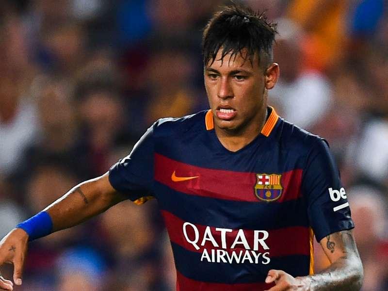 Neymar treina normalmente e deve retornar ao Barcelona neste final de semana