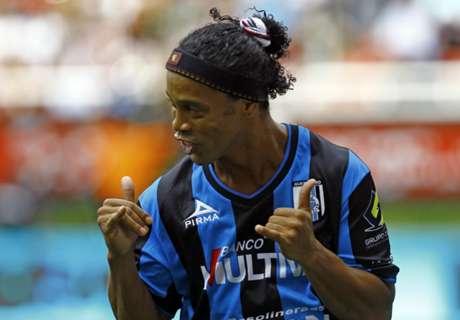 Querétaro, Ronaldinho fait des siennes