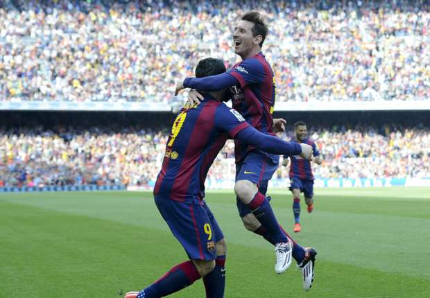 Barcelona 2-0 Valencia: Messi scores 400th goal to seal vital victory