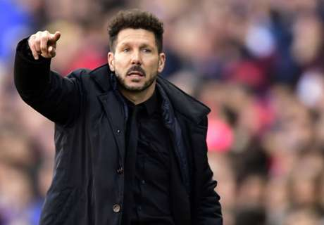 Simeone anota ideas en el cine