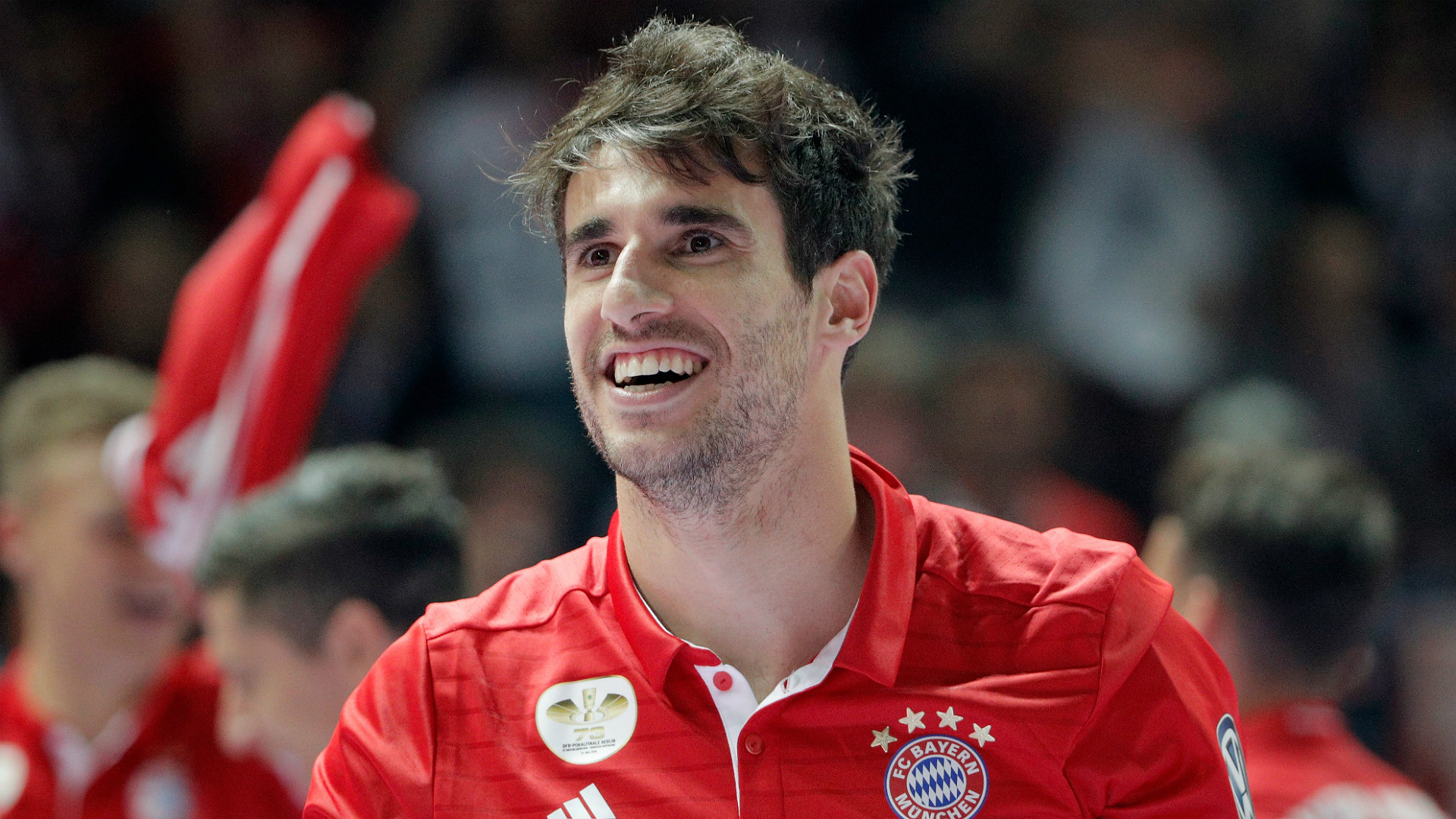 Javi Martinez happy to operate in the shadow of Bayern s brightest