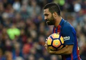 Şampiyonlar Ligi grup aşamasında öne çıkan istatistikleri sıraladık. Arda Turan, Messi, Ronaldo, Aubameyang gibi yıldızları geride bıraktı.
