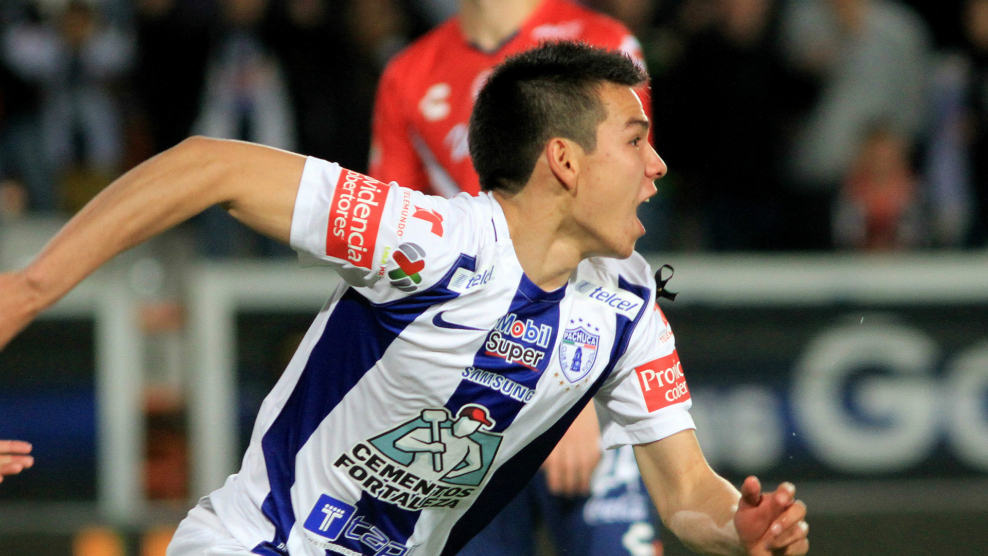 Pachua Forward Hirving Lozano Wants To Play For Manchester United