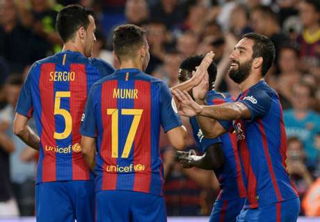 Barca lift Supercopa in style