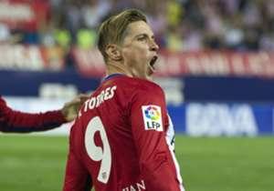 2. FERNANDO TORRES | 2001 - 2007 y 2015 - actualmente | El canterano rojiblanco por excelencia. Salió del filial cuando el equipo estaba en Segunda División y se convirtió casi automáticamente en el reclamo del Atlético. Se marchó siendo el ídolo de la...
