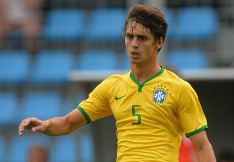 RUMOURS: Man Utd eye Rodrigo Caio