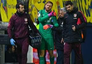 JAN OBLAK | ATLÉTICO DE MADRID | O goleiro esloveno teve que passar por uma operação depois de ter luxado o ombro esquerdo, em dezembro de 2016, durante jogo contra o Villarreal. No total, devem ser três meses longe dos gramados.