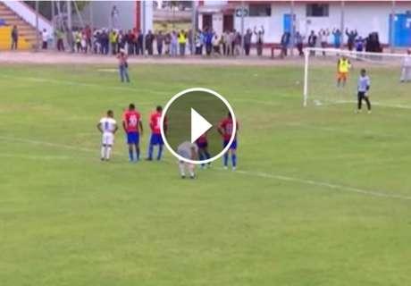 VÍDEO: El portero goleador