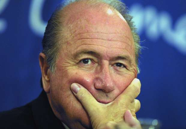 Joseph Blatter lamenta la sanción a Luis Suárez
