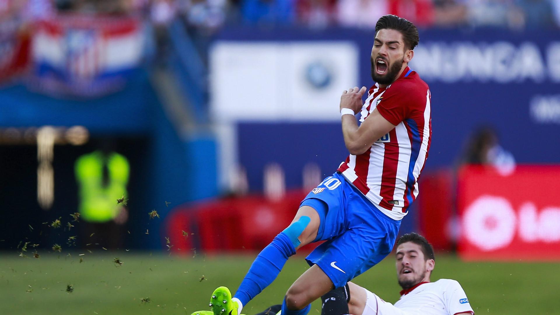 Ferreira Carrasco sufrió lesión en la clavícula derecha — LaLiga Santander