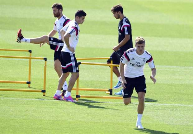 James & Kroos will make debuts in Super Cup - Ancelotti