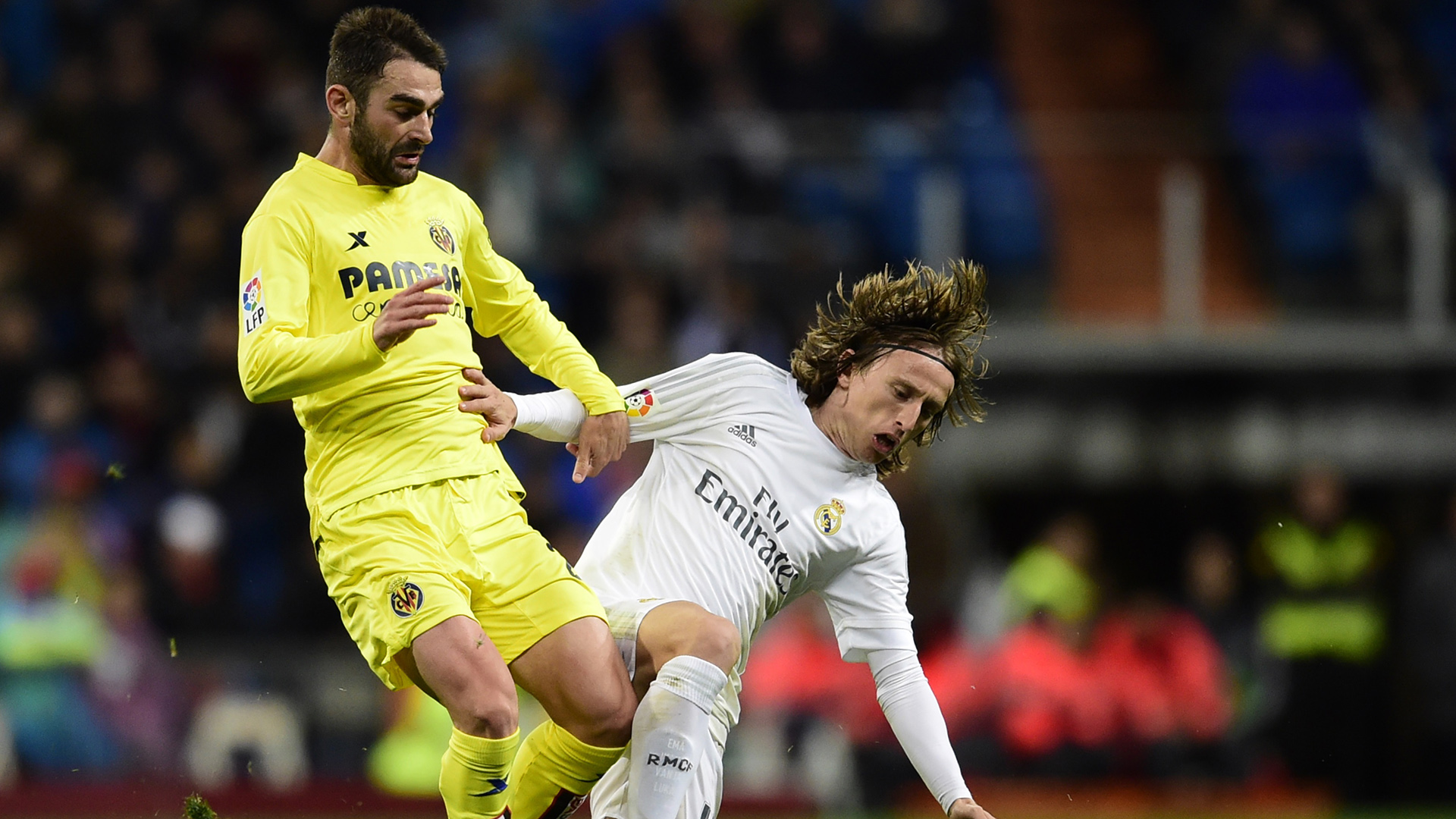 Luka Modric Adrian Lopez Real Madrid Villarreal 200416