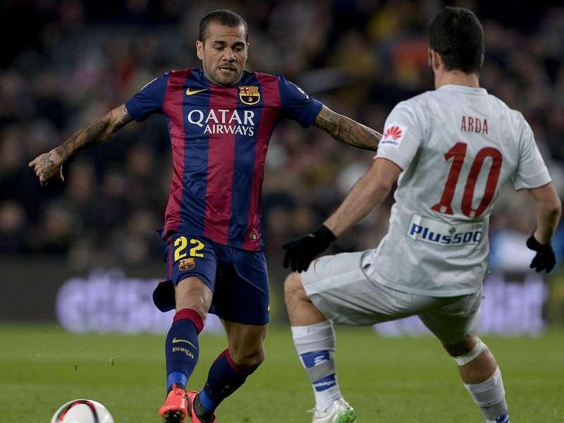 """Futuro, Dani Alves strizza l'occhio al Barcellona: """"Qui sono molto felice, dipenderà dal club"""""""