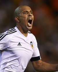 sofiane-feghouli-valencia-monaco-uefa-champions-league-playoff-08192015_1xlobj94c1t4zzn4rdcezeld6.jpg